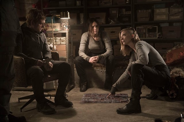 mockingjay-part-2-cressida-katniss-peeta