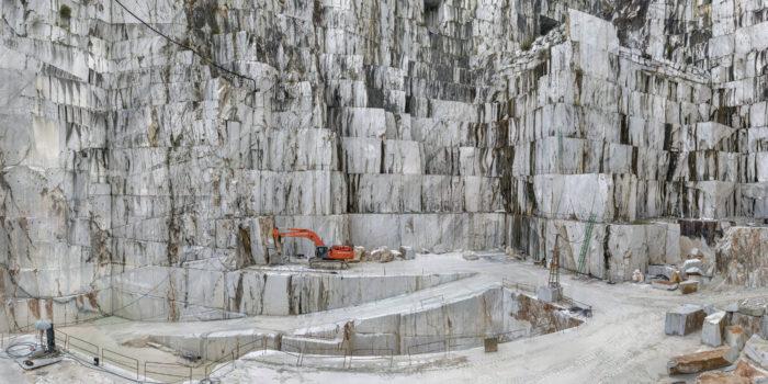 Mramorový důl Carrara v Itálii © Edward Burtynsky, courtesy Nicholas Metivier Gallery, Toronto